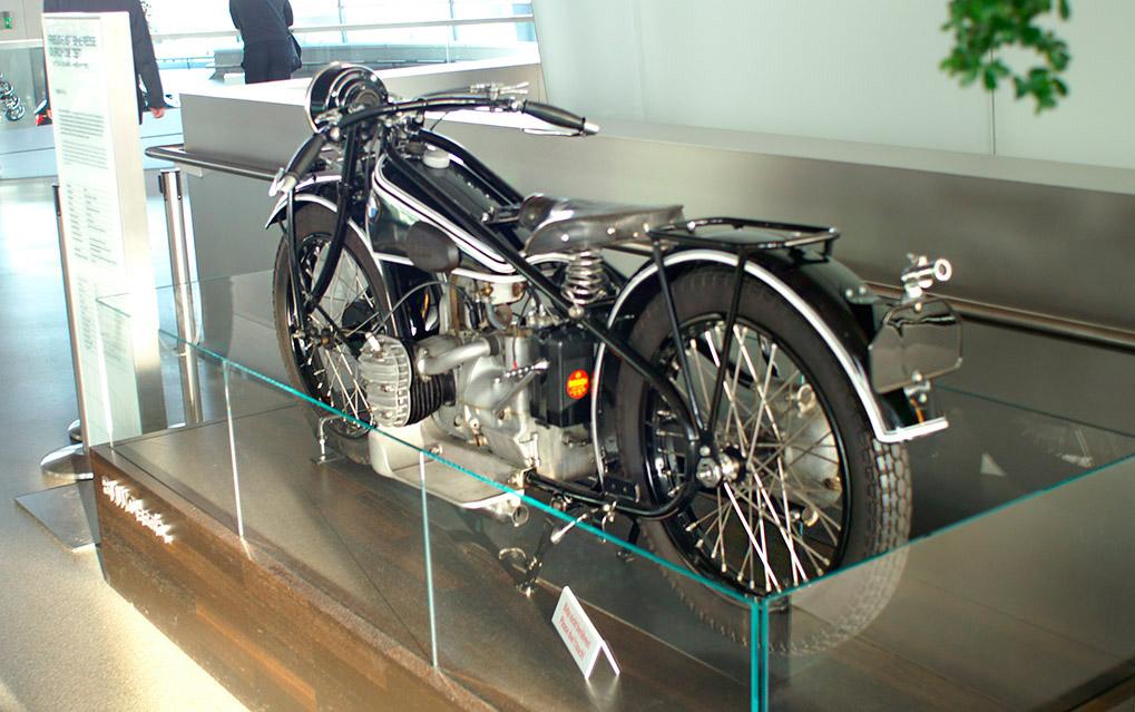Museum внутри BMW Welt