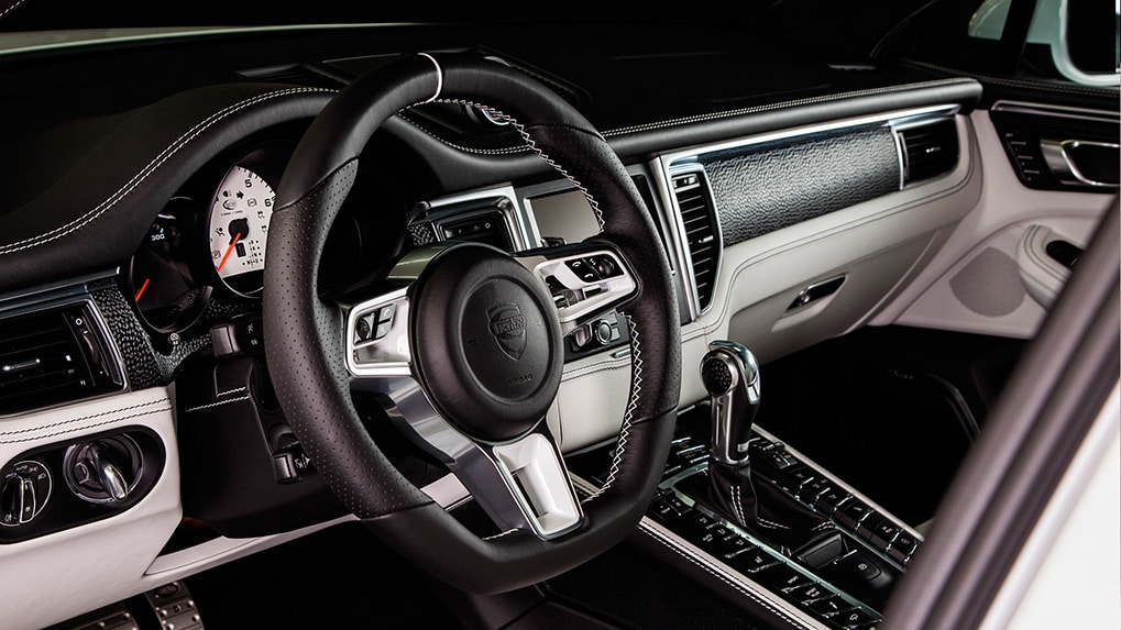 Porsche Macan Techart widebody Interior