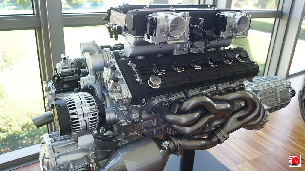 Музей Lamborghini двигатель Murcielago 2001