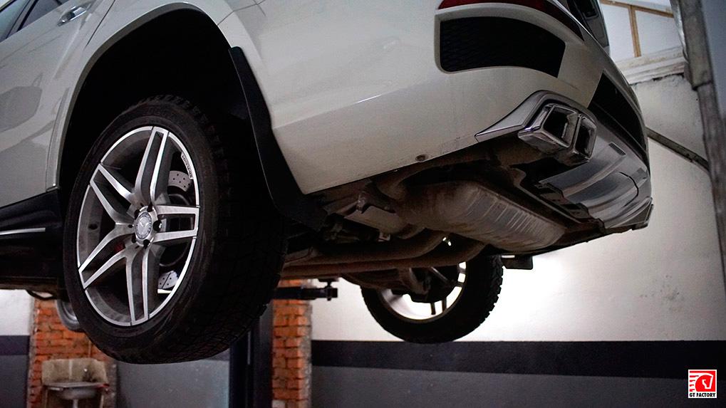 Mercedes-Benz gl63 amg оригинальные насадки