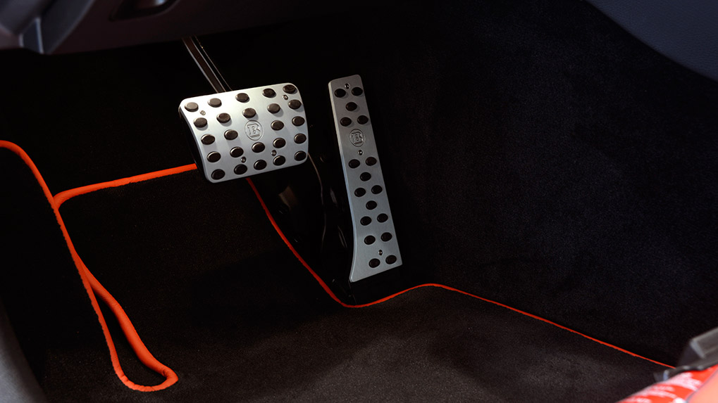 brabus b600 mercedes-benz c63s amg накладки педалей