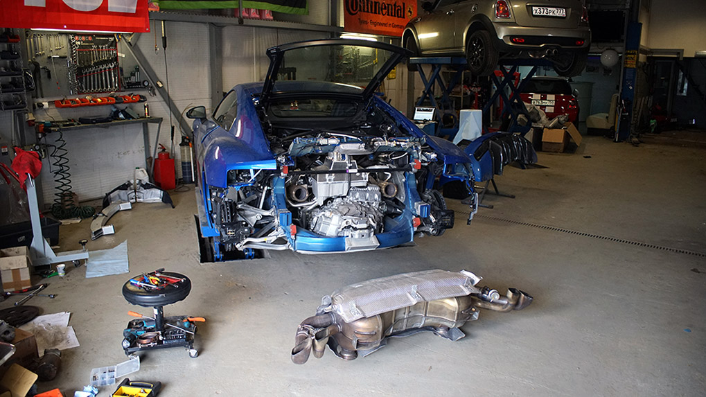 Capristo Audi R8 V10 Plus stock exhaust desmantled