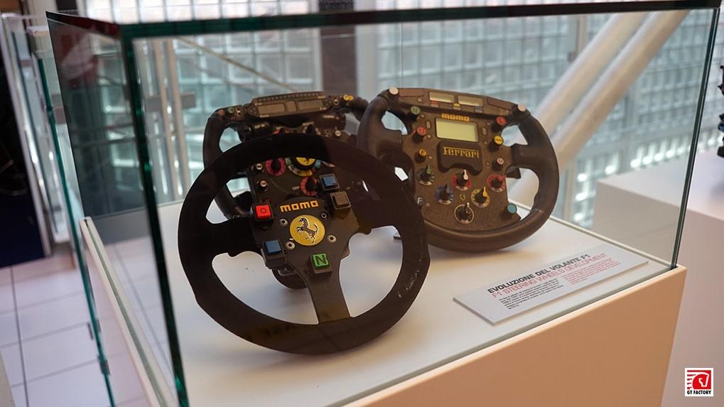 Музей Ferrari эволюция рулей Формула 1